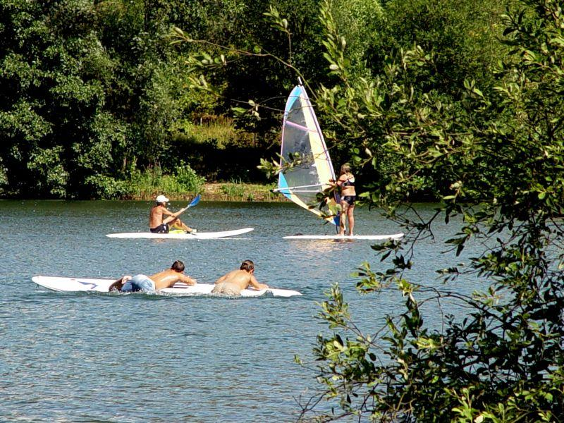 Surfen am Badesee in Freudenberg am Main